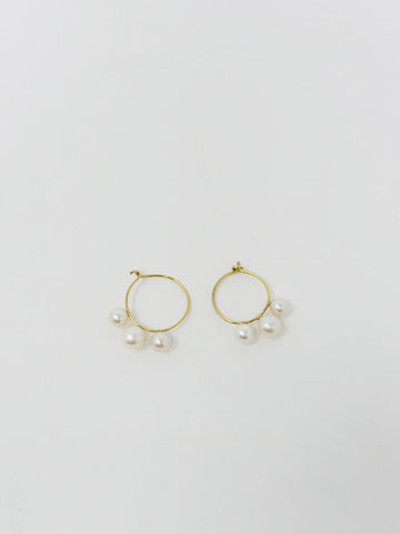 Saskia Diez 3 Pearl Hoop Earrings