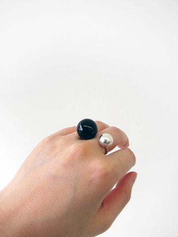 Sling Ring No. 2, Onyx and Silver