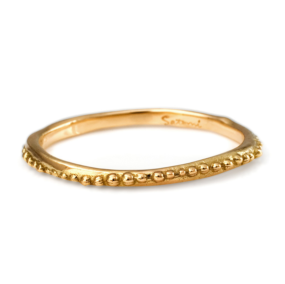 18k gold ring with dots