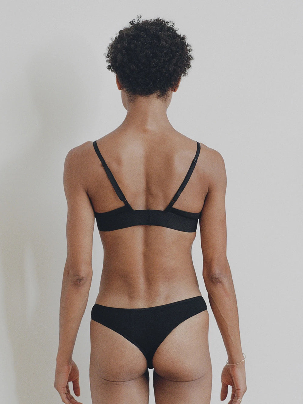 baserange triangle bra in black