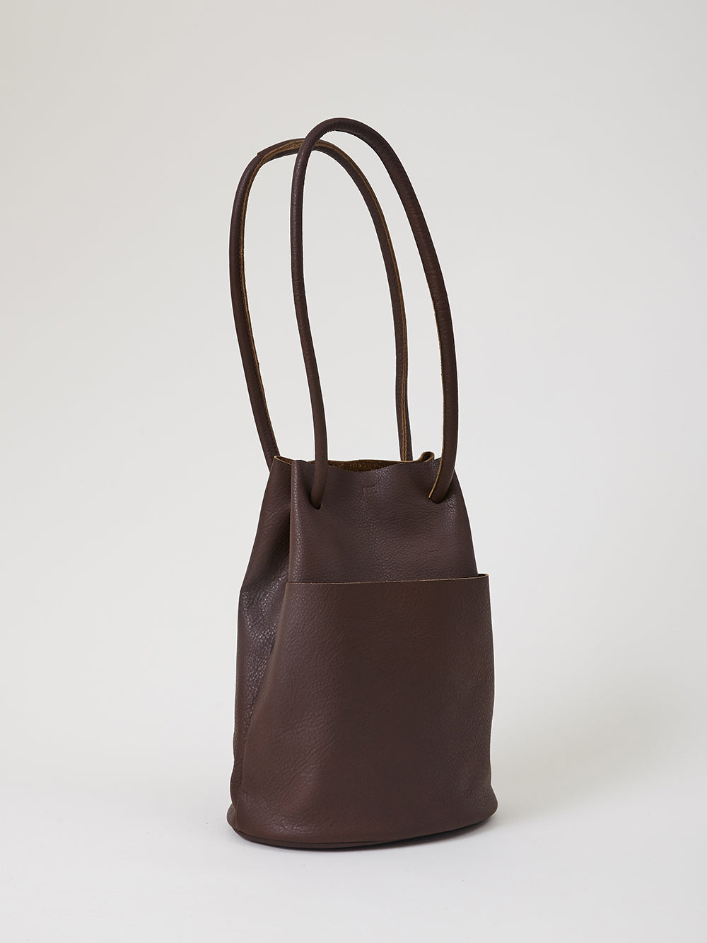 are studio tube bag in coffee