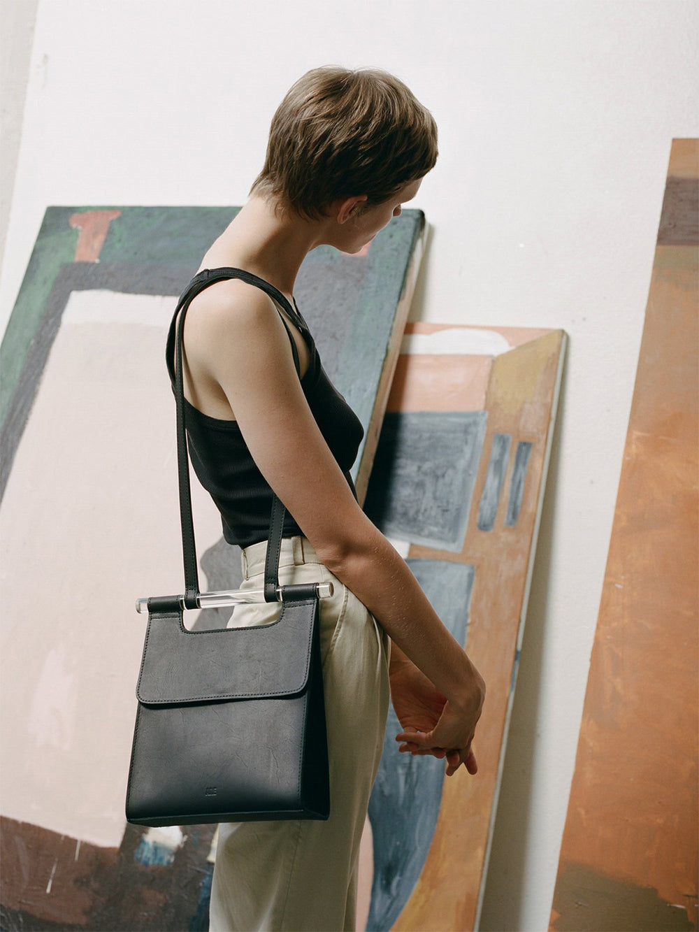 are studio small luz bag in black