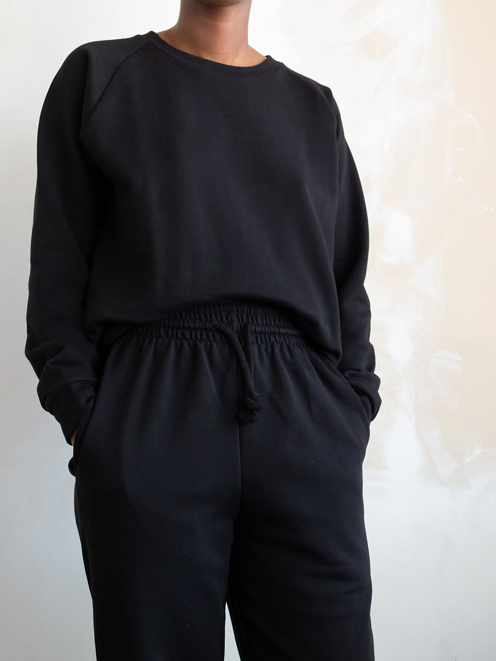 baserange sweat pant in black