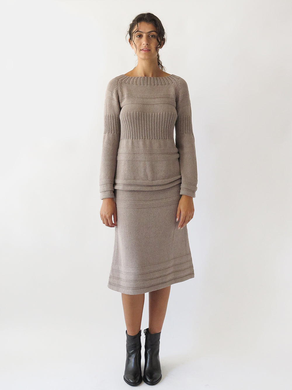texture skirt in dove