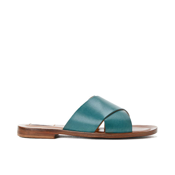 closed cross sandal