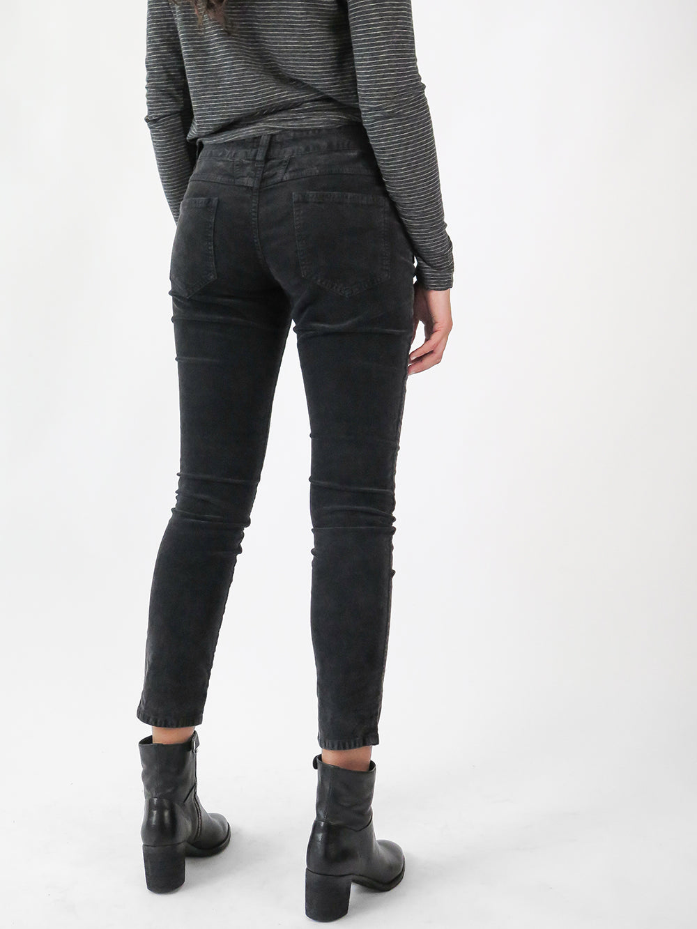 closed pedal-x pant in washed black
