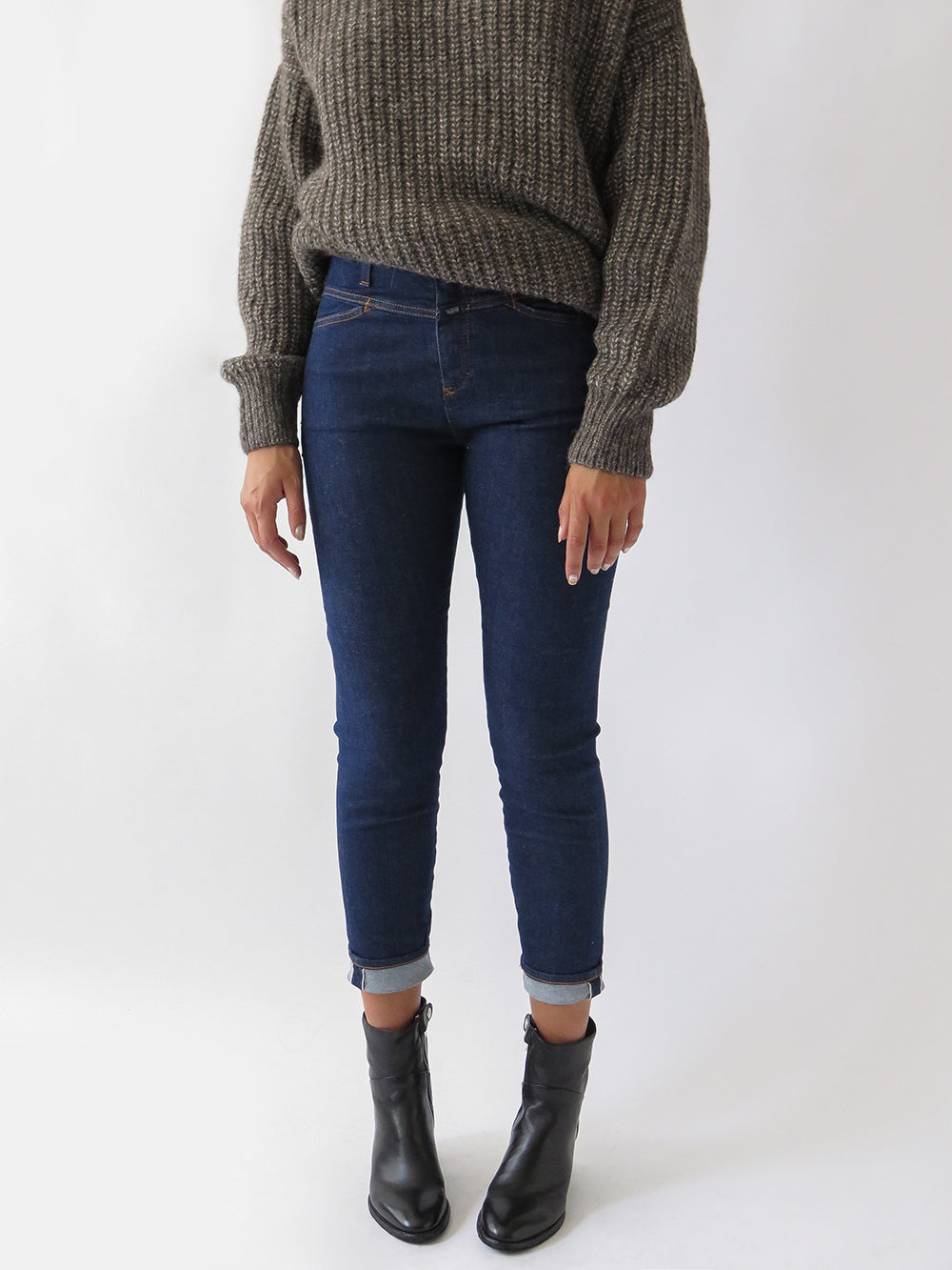 closed skinny pusher jean in dark blue