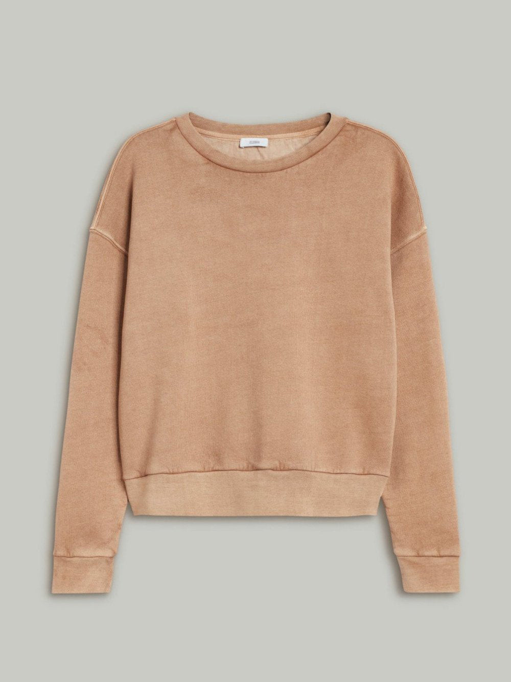 closed sweatshirt in golden oak