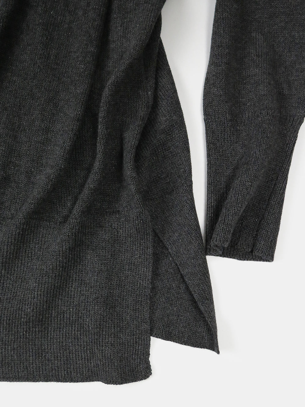 fine knit cotton v-neck in charcoal
