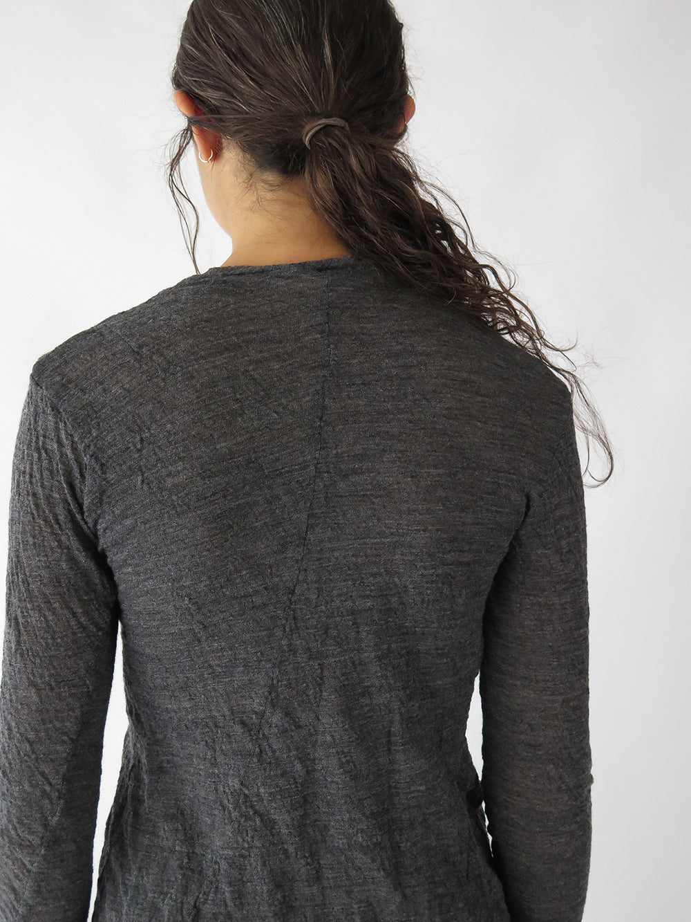 hazel brown t-shirt in charcoal