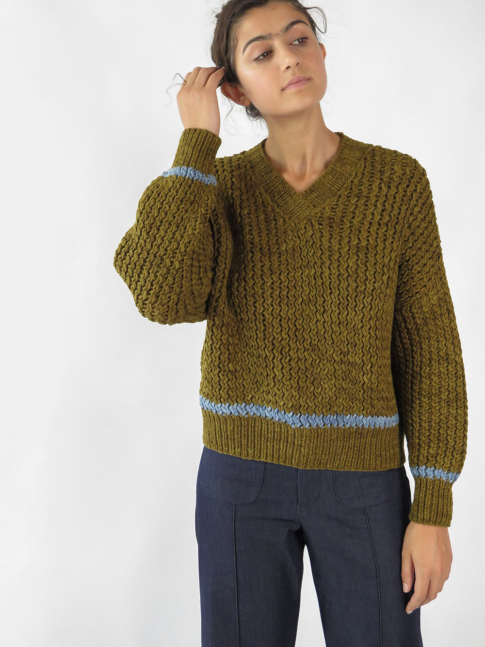 knitbrary v-neck sweater in carpatain + blue cotton