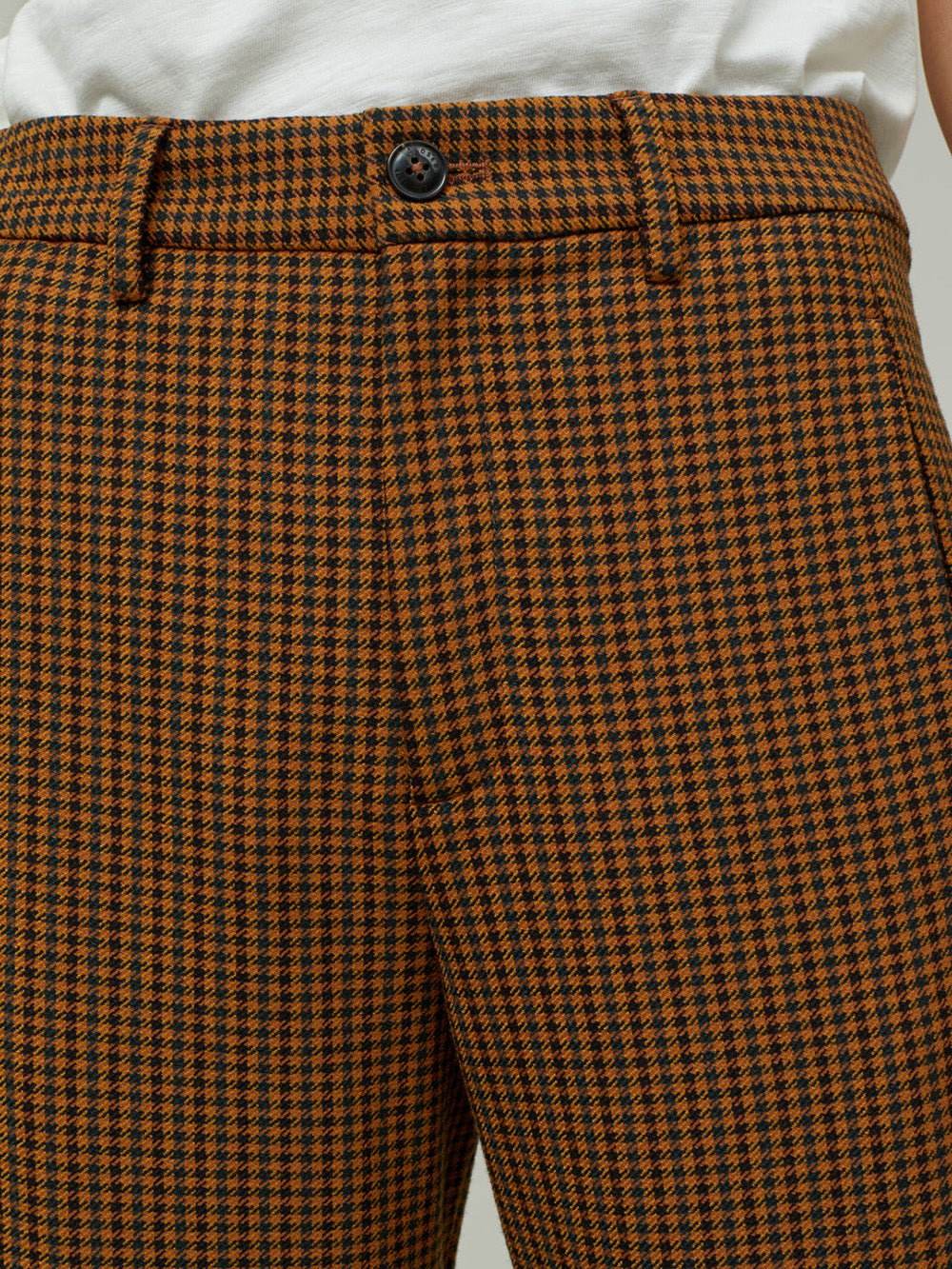 closed ludwig pant in pumpkin