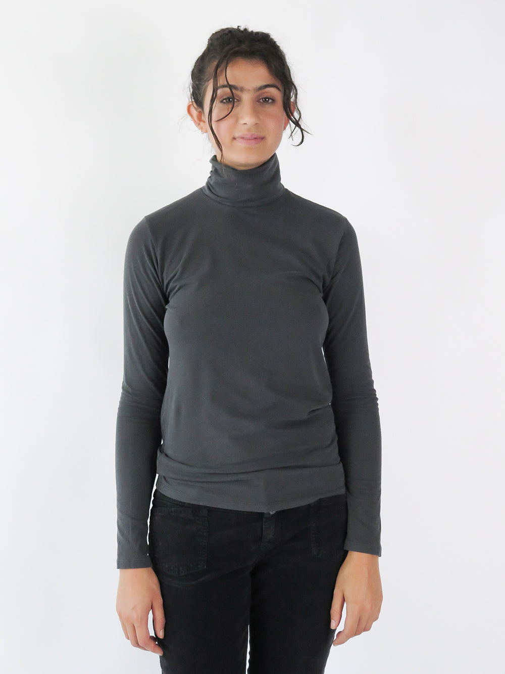 majestic filatures turtleneck in noir