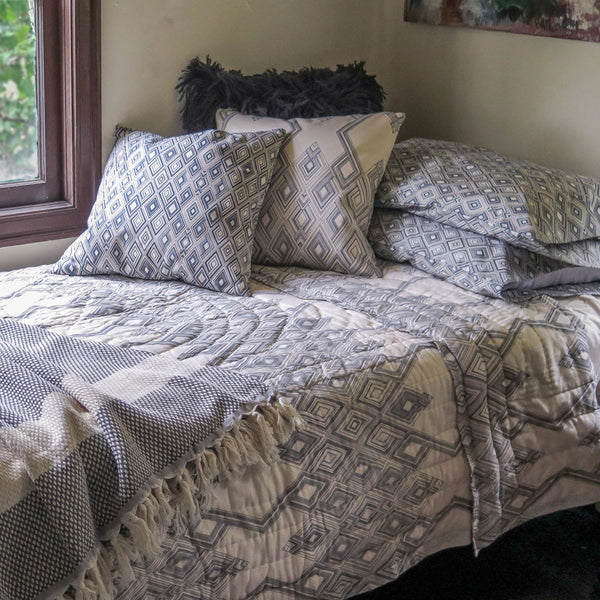 large diamond quilt