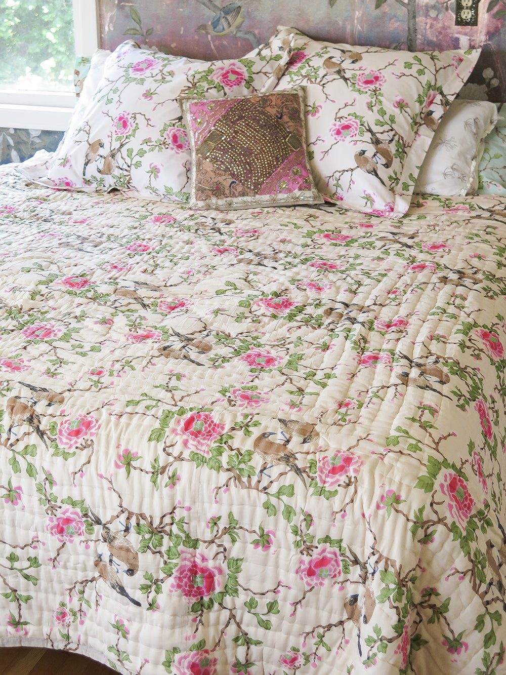 lovebird quilt in natural
