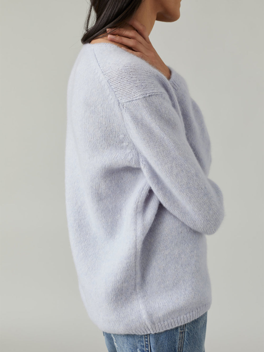 closed mix v sweater in pearl