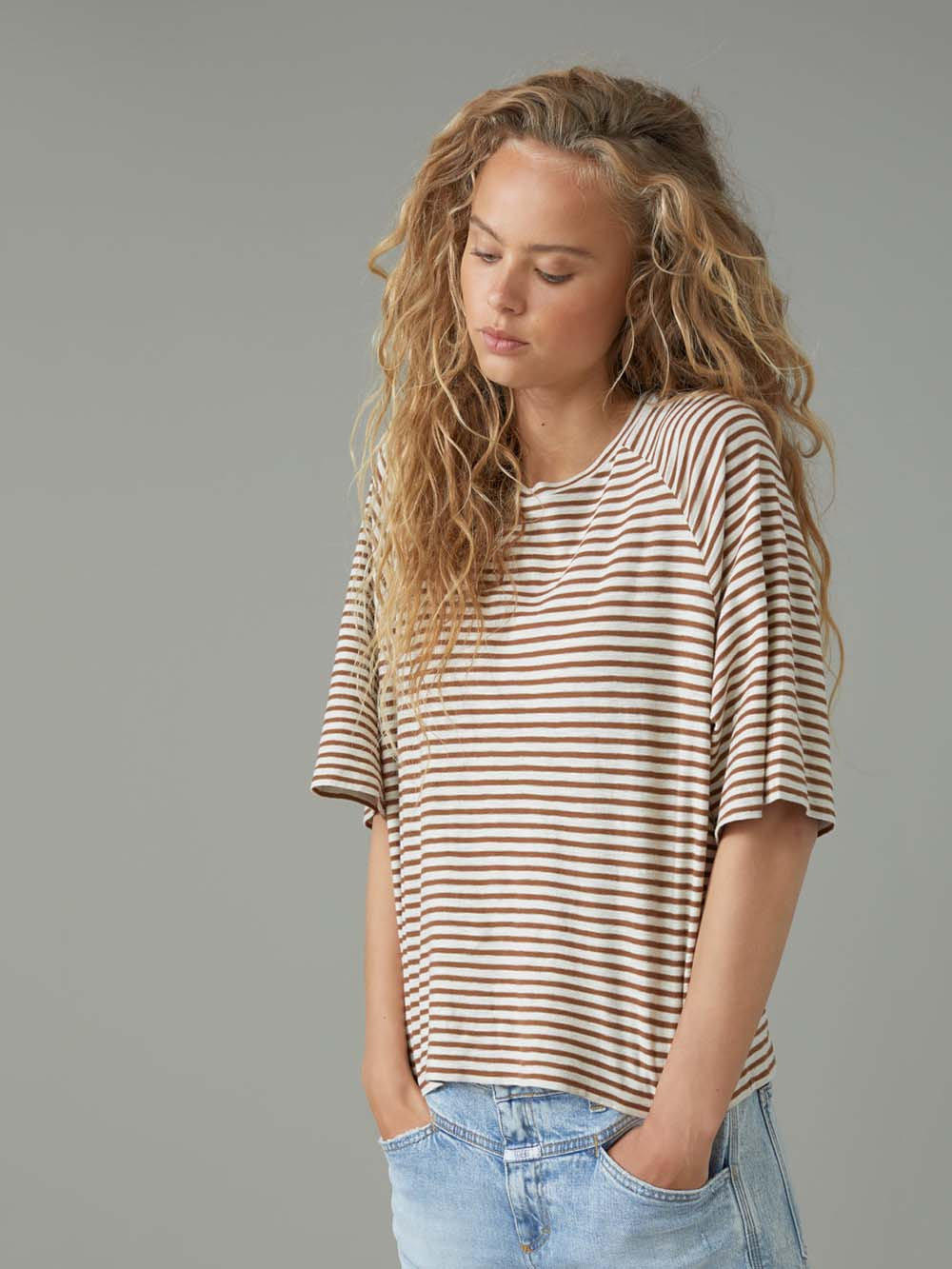closed stripe t-shirt in antique wood