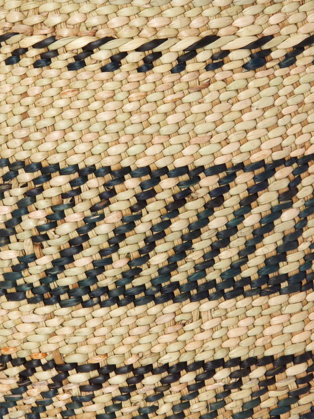medium iringa basket in natural + black