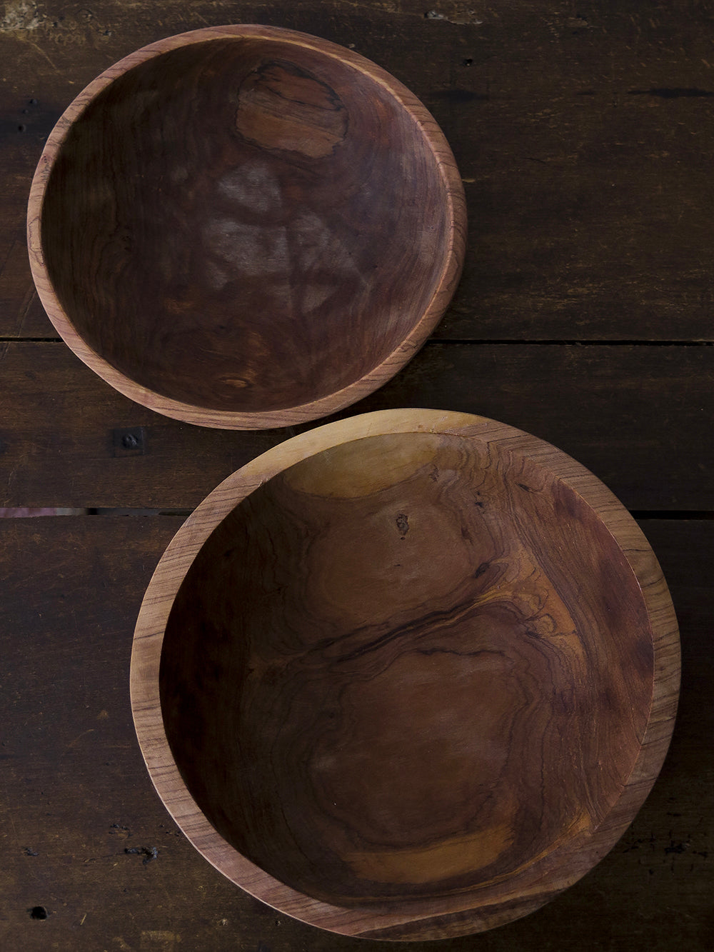 small olivewood serving bowl