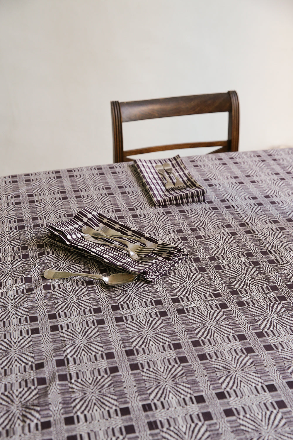 tablecloth in edgar allan poe