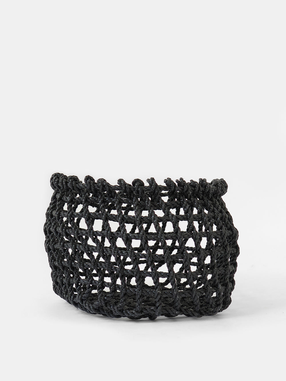 the rope co. short net basket in charcoal