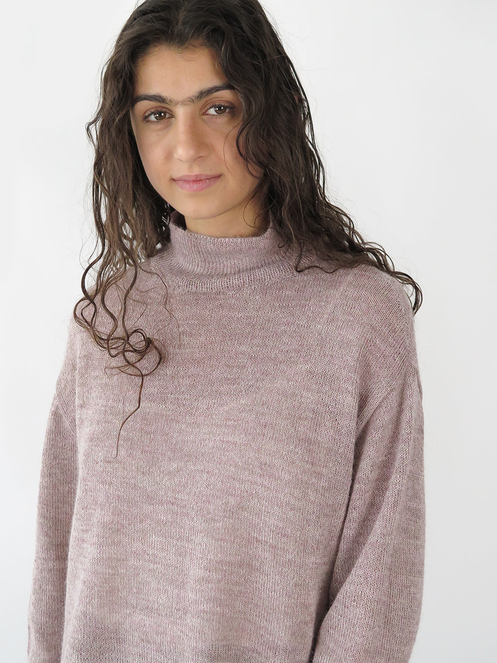 turtleneck sweater in rose