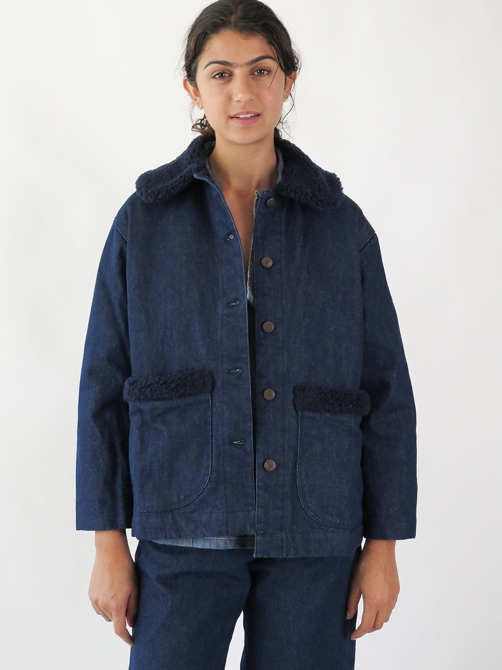 uqnatu sherpa jacket in navy
