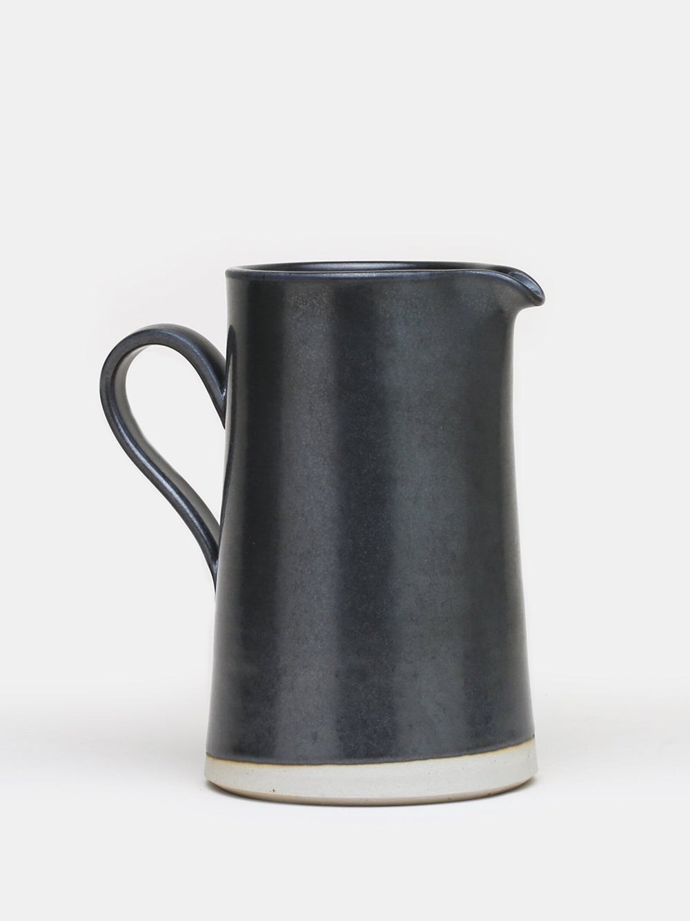 wrf large pitcher in black