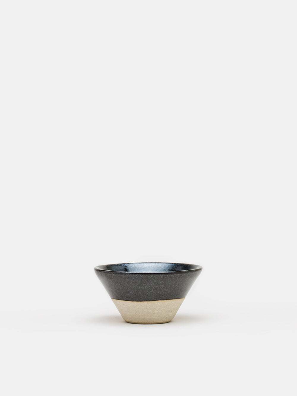 wrf small v-bowl in black