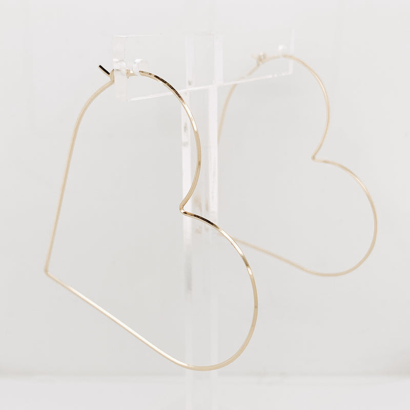 Amore Thin Wire Heart Hoop