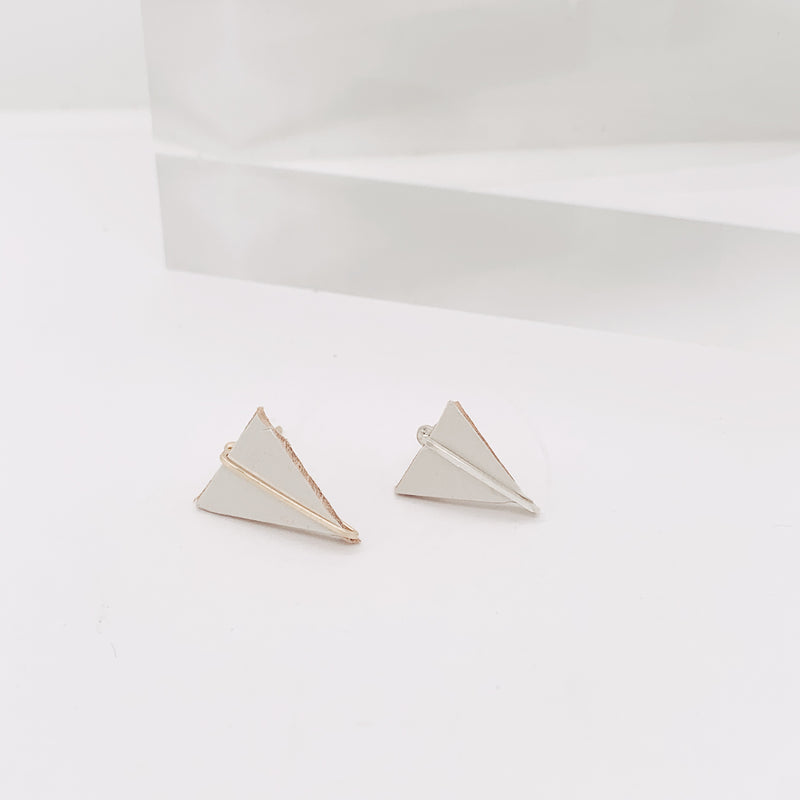 Clay Leather Triangle Post