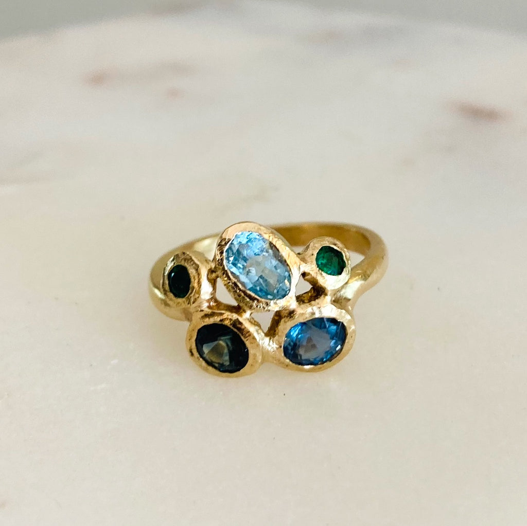 Treasure Cluster Ring 14K gold. Aquamarine, Sapphire, Emerald and Kyanite