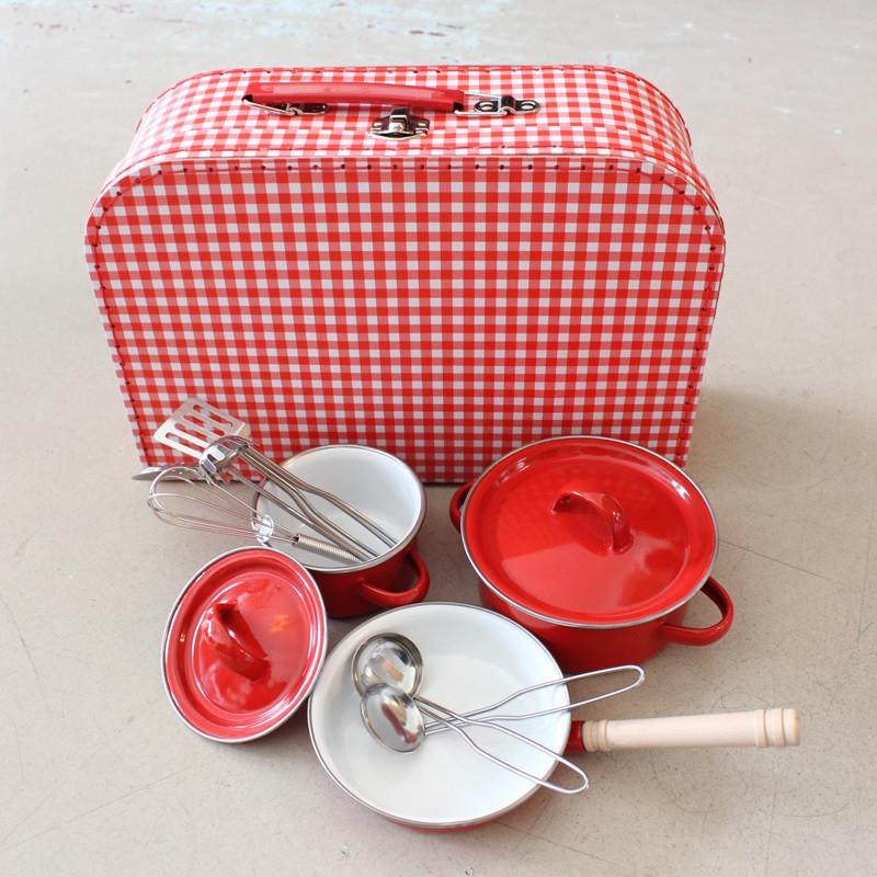 Red pan cooking set and carry case