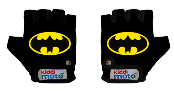 Batman gloves by Kiddimotto