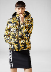 LOGO BAROQUE PRINT DOWN JACKET - Salon3o, Kooperativa GO-RE z.b.o., Tupaliče 15, 4205 Preddvor,Slovenia,Europe.All rights reserved.