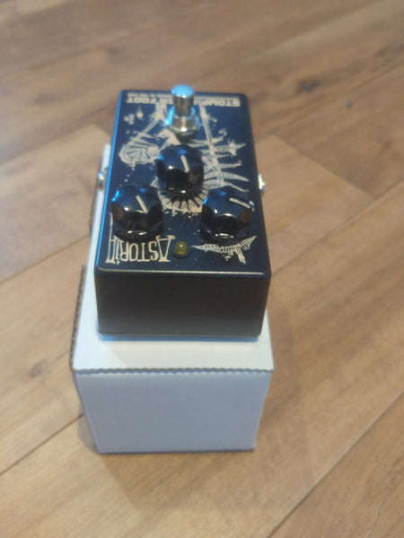 Stomp Under Foot Astoria Fuzz Pedal ( David Gilmour Tribute )