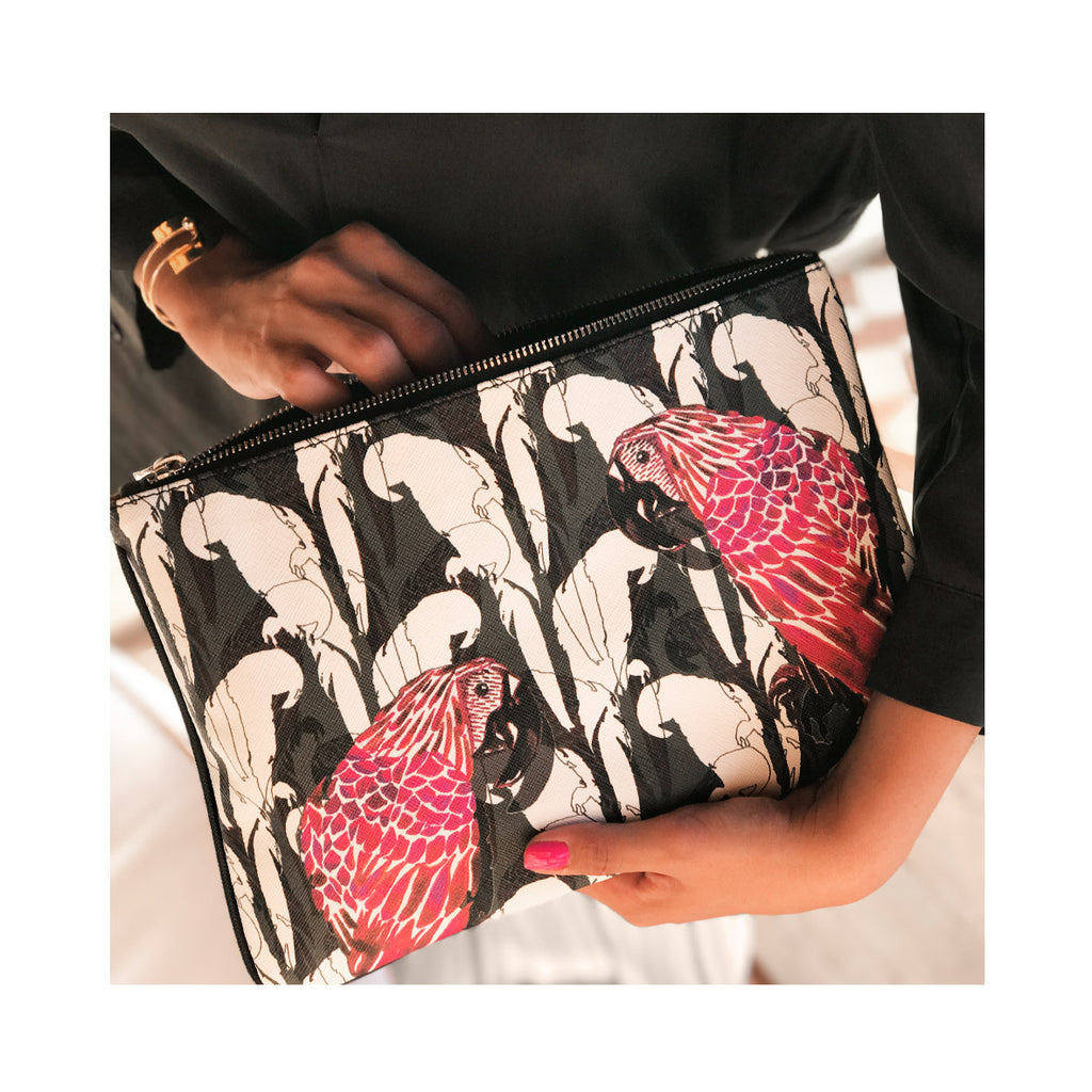 MERI CLUTCH IN CAMO PARROT