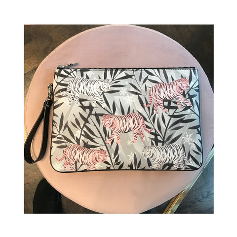 MERI CLUTCH IN TIGER