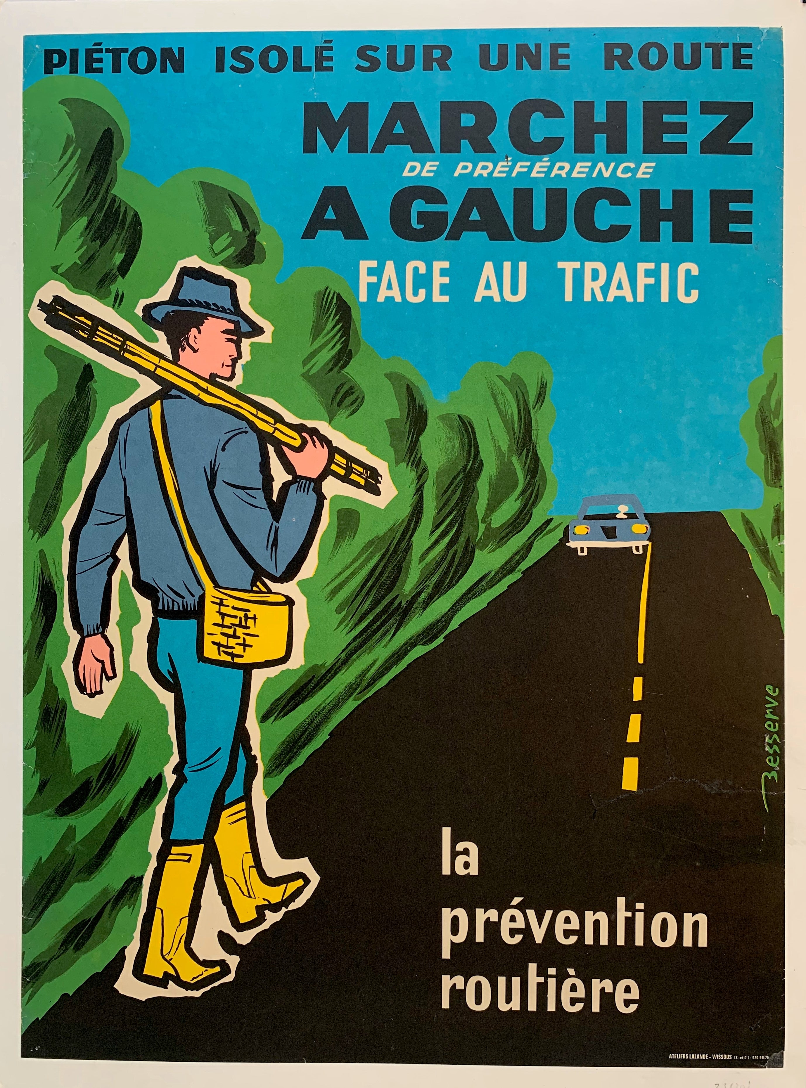 Pieton Isole Sur Une Route Marchez de preference A Gauche Face Au Trafic - La Prevention Routiere