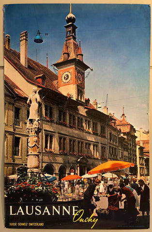 Poster featuring a photograph of an outdoor market filled with shoppers