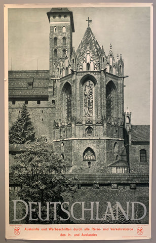 Black and white image of of the Marienburg Castle in Hanover.