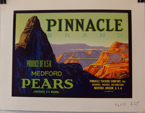 "Pinnacle Brand ""Produce of USA Medford Pears"""