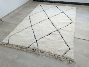 Load image into Gallery viewer, Beni Ourain Carpet - 233x160cm - 2-seat sofa - Natural Wool - SEP15