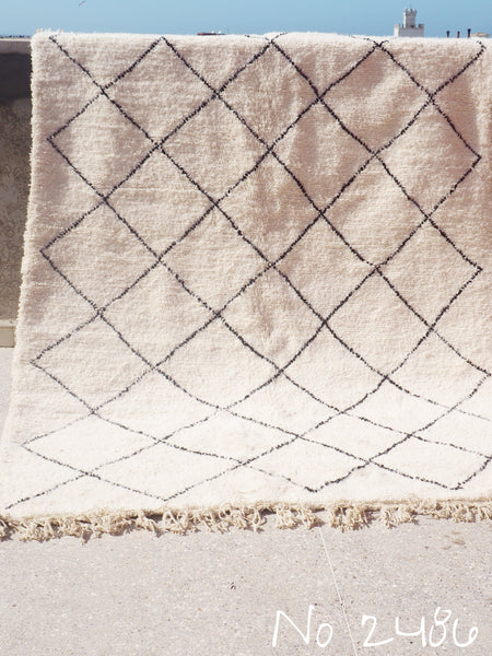 Beni Ourain Carpet - 325x210cm - Medium Triangles - Jamila - Natural Wool - 2486