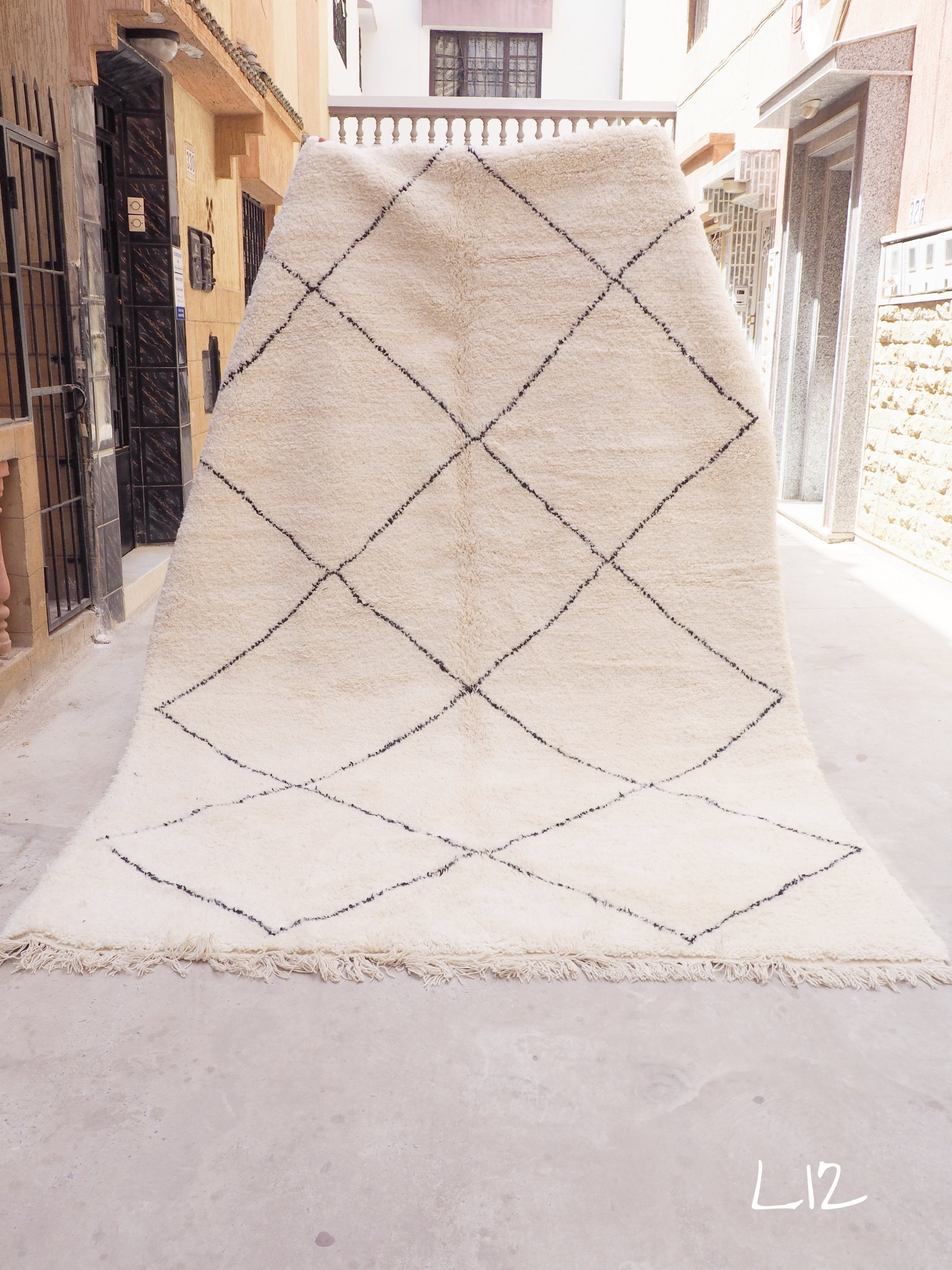 Beni Ourain Carpet - 320x200cm - Diamonds - OUED - Natural Wool - L12 - Carpets - THE PEOPLE OF SAND