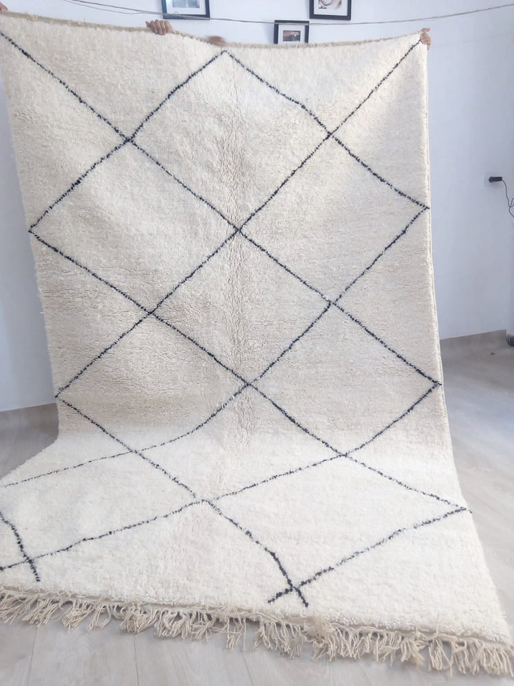 Load image into Gallery viewer, Beni Ourain Carpet - 300x190cm - 3-Seat Sofa - Natural Wool - SHAW3