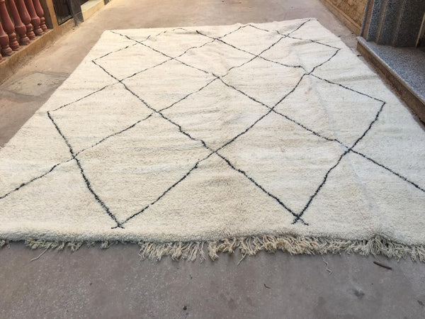 XXL- Beni Ourain Carpet - 425x300cm - Diamonds - Sonia - Natural Wool
