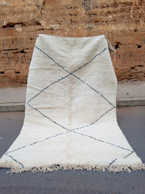 Load image into Gallery viewer, Beni Ourain Carpet - 310x204cm - 3-Seat Sofa - SANAD - Natural Wool - JAN2002