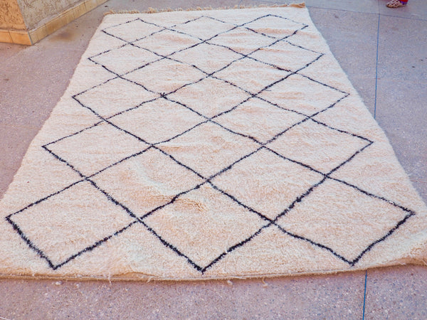 Beni Ourain Carpet - 315x204cm - Large Triangles - Anas- Natural Wool - 2462