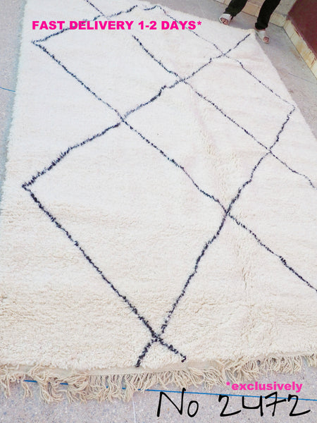 Beni Ourain Carpet - 315x218cm - Large Triangles - Temsia - Natural Wool - 2472